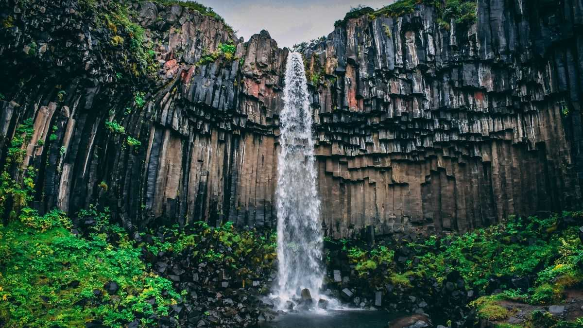 10 Different Types of Waterfalls – Explanation + Visual Guide
